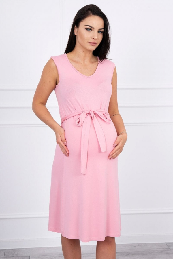 Trapézové šaty zviazané v pase ružové