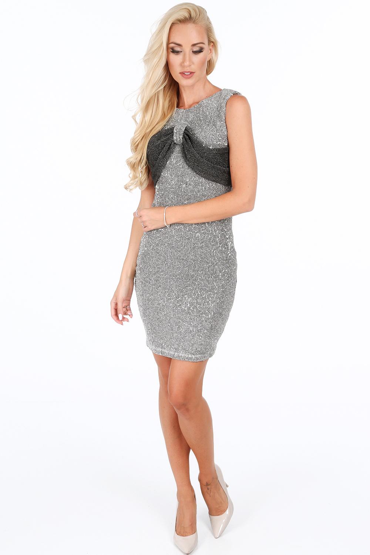 Elegantné šaty strieborné